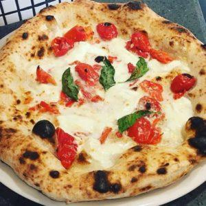 Пицца классическая с пышным бортом