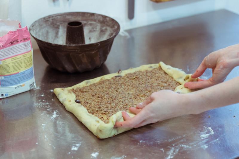 Приготовление орехового кулича